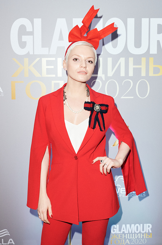Эва Вострокнутова