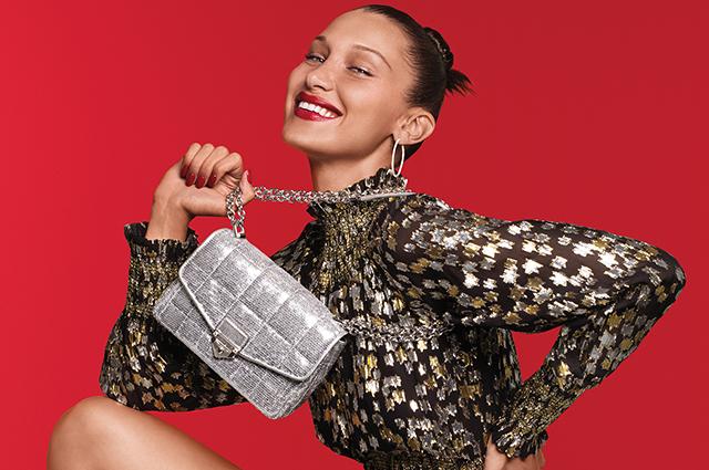 Модный дайджест: от Беллы Хадид в праздничной кампании до коллекции Хелены Кристенсен
