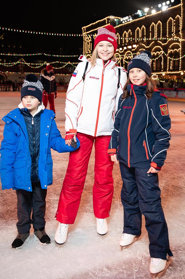 Юлия Пересильд с дочерьми Марией и Анной